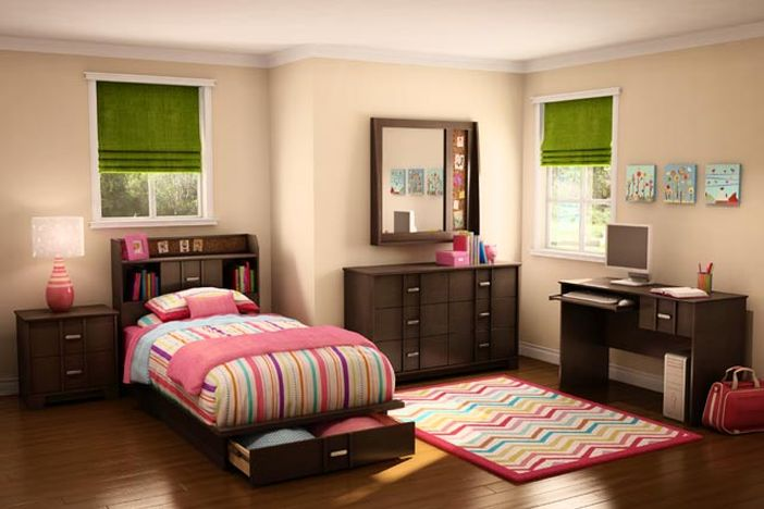 am nagez un petit coin bureau enfant dans la chambre en cette rentr e. Black Bedroom Furniture Sets. Home Design Ideas